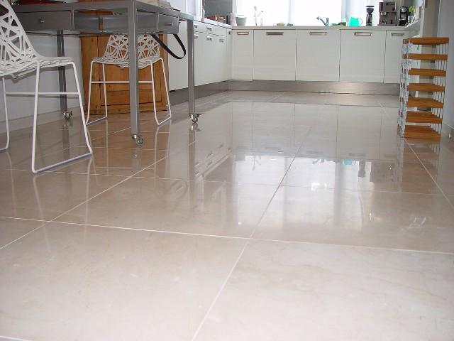 Marmeren Badkamer Vloer : Badkamer marmeren vloer: verbouwd loft appartement uit inrichting